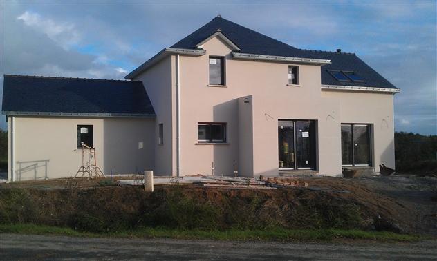 Maison neuve couverture ardoises en collaboration avec le maitre d'oeuvre Michel HUBLOT sur la commune de PORNICHET - 44380